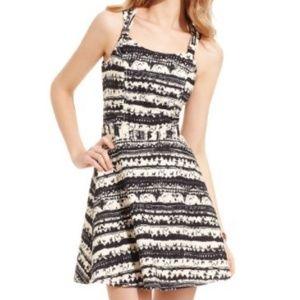 Jessica Simpson   Black & White Tribal Dress Sz S
